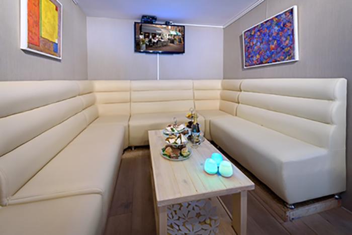 Lounge bank